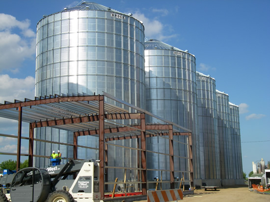 grain bins lined up